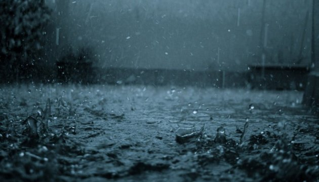 Ukrainians warned of heavy rains and squalls