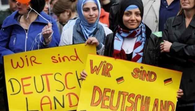 У німецьких містах - хвиля мітингів проти депортації афганців