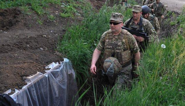 Турчинов призывает силы АТО сбивать российские дроны-шпионы