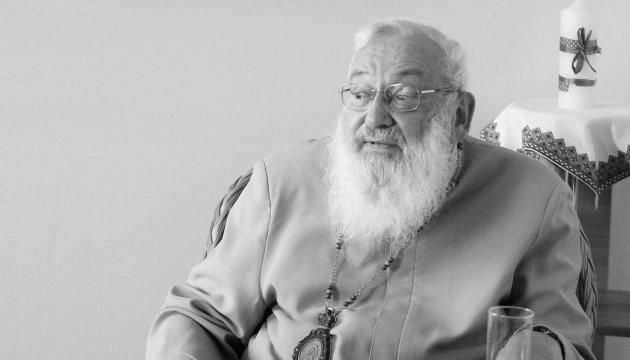 У Львові тисячі вірян прощаються з Любомиром Гузаром