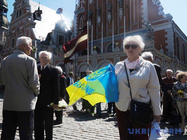 Оксана Томич. Ії батько-українець та мати латишка познайомилися в Сибіру