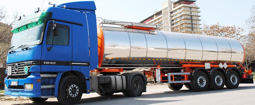 Цистерна для харчових продуктів вітчизняного виробника Еверласт на базі Mersedes