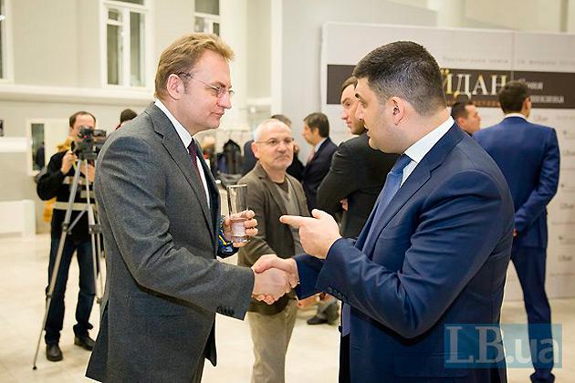 Гройсман поєднує досвід роботи міським головою та статус всеукраїнського політика