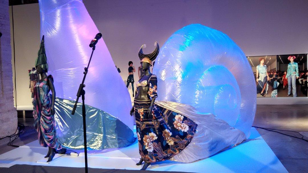 Сукні-равлики від дизайнерки та художниці Оксани Чепелик