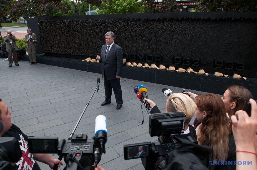 Президент України виступає перед українською громадою