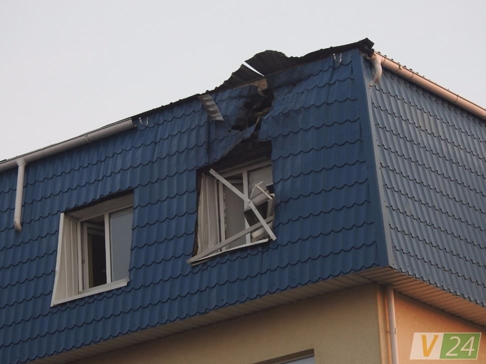 Результати обстрілу Генерального консульства РП у місті Луцьк. Фото volyn24.com