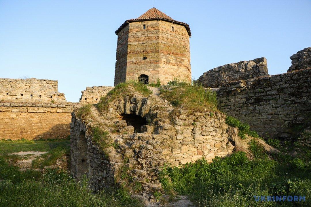 Легендарна Дівоча (Овідієва) вежа