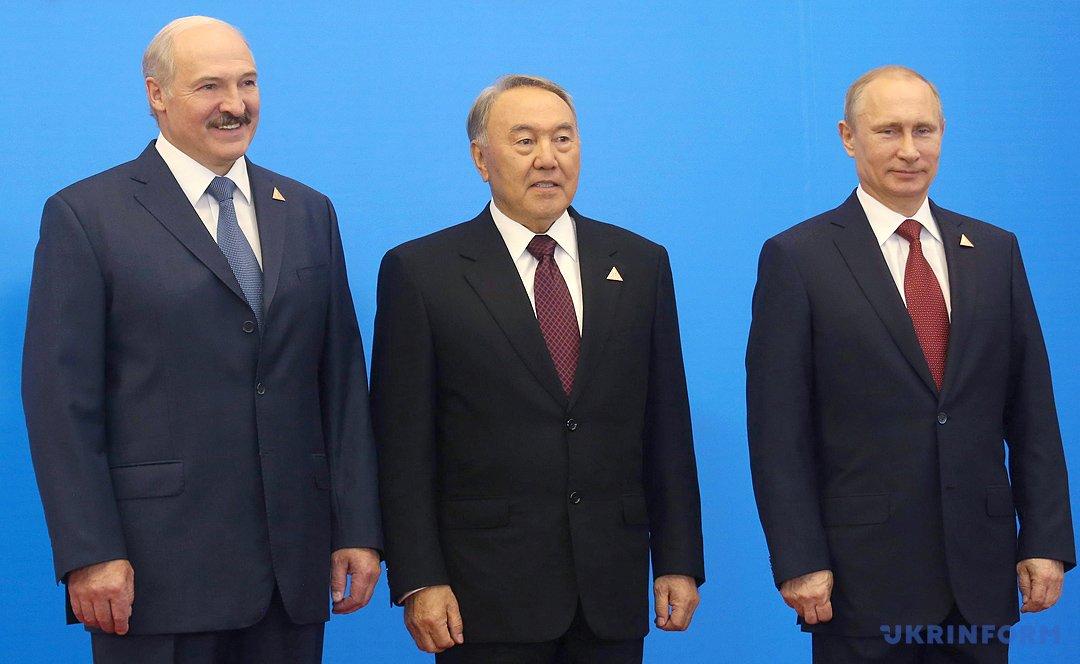Назарбаев Нурсултан Абишевич. Биография.