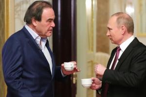 Режисер Олівер Стоун попросив Путіна стати його кумом