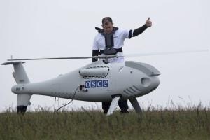 Безпілотник ОБСЄ зафіксував свіжі місця розриву боєприпасів поблизу Луганського