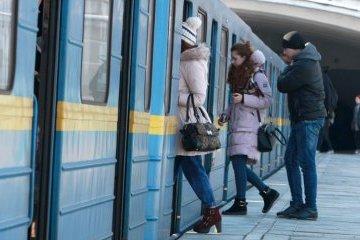 Заработали станции метро, закрытые ранее из-за задымления