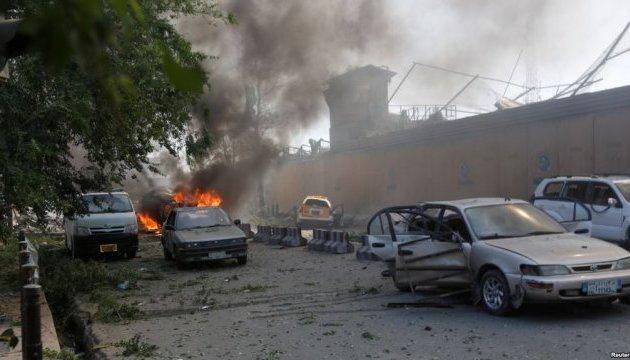 Число жертв теракту в дипкварталі Кабула перевищило 150