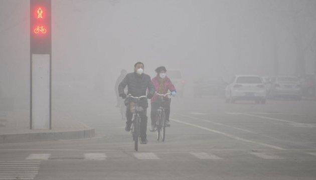 Китай лідирує в світі у заходах захисту клімату – прем'єр Лі