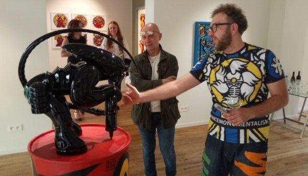 У Брюсселі відкрили виставку українського митця, який мріє про