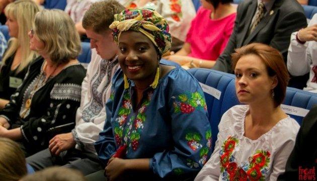 Корпус миру: у Киеві Йованович привела до присяги волонтерів