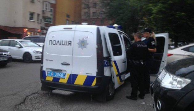 Стрілянина на Харківському шоссе в Києві: у пораненого вкрали барсетку