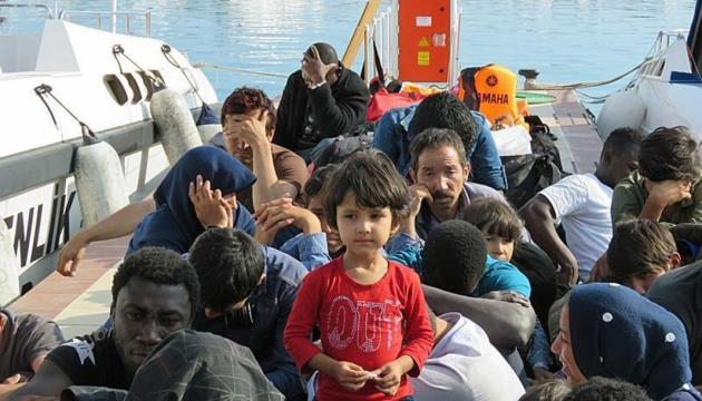 У Середземному морі за день врятували близько 5 тисяч мігрантів