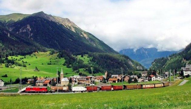 У швейцарському селі вирішили привабити туристів забороною на фото