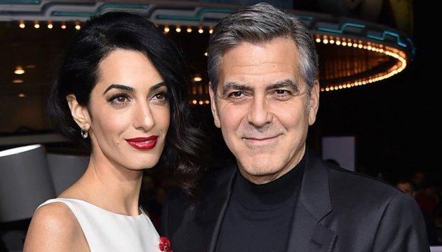 Клуни с женой дадут деньги на школы для сирийских детей