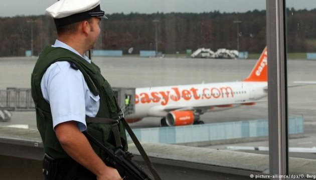 У Кельні екстрено посадили літак через