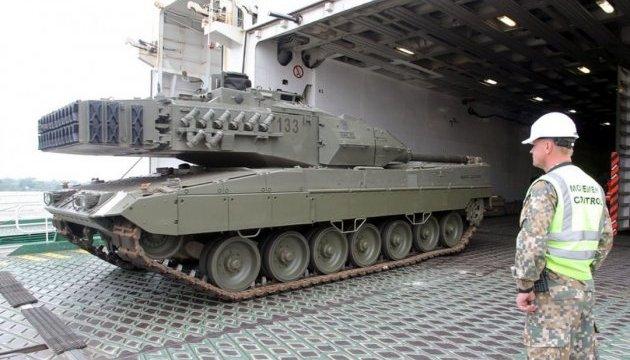 В Латвию прибыла военная техника НАТО