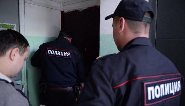 Окупанти у Криму погрожують активістам і проводять незаконні опитування