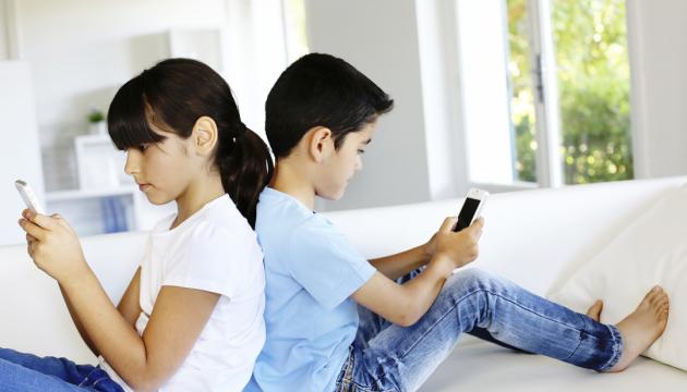 Додатки в смартфонах змушують витрачати все більше і більше - опитування