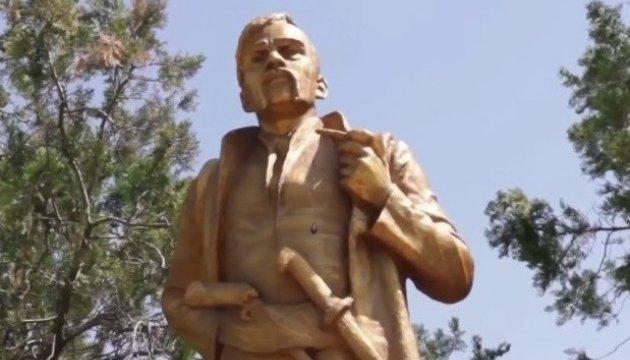 Декомунізація по-запорізьки: з Леніна