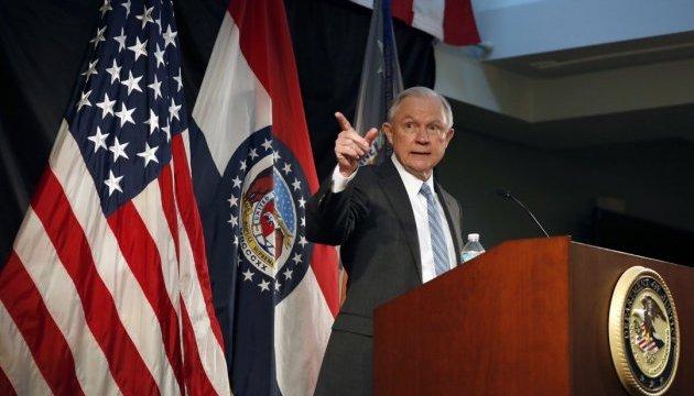Трампа убеждают не трогать генпрокурора на фоне расследования в отношении России