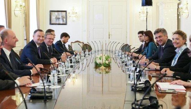 Лідери Польщі і Хорватії обговорили підтримку мирного процесу в Україні