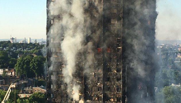 Пожар в GrenfellTower: спасатели сообщают о погибших