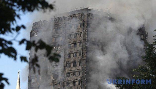 На пожаре GrenfellTower уже 74 пострадавших, 20 - в критическом состоянии