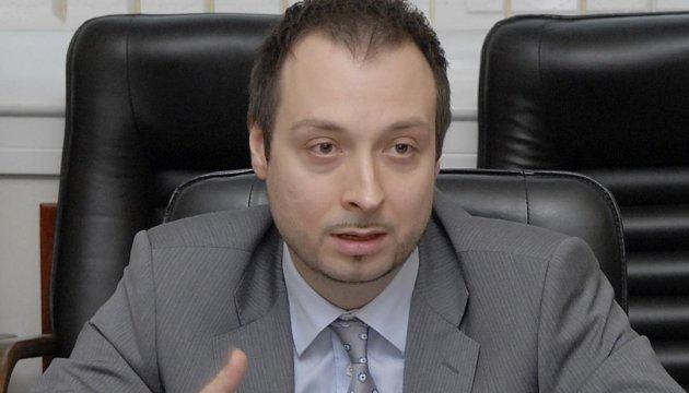 Заместитель Петренко написал заявление об увольнении