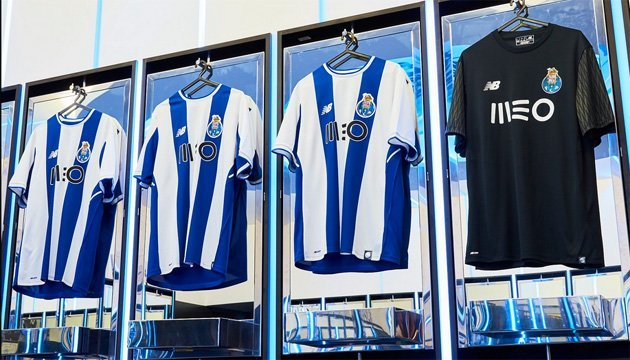 Состав ФК Барселона сезон 20172018