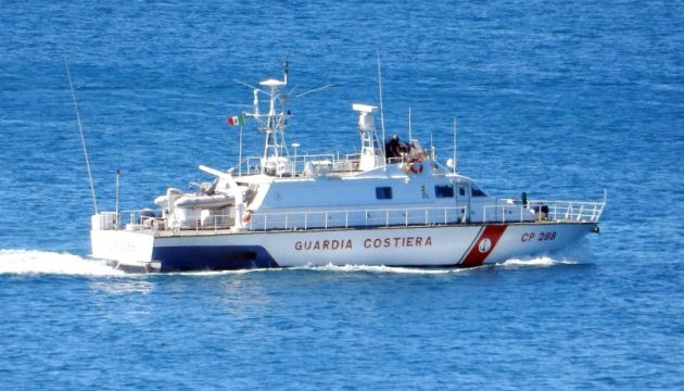 Ливийский патрульный катер обстрелял судно береговой охраны Италии – СМИ