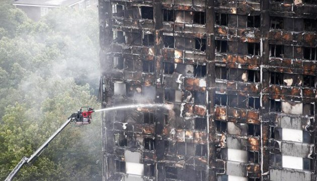 В Британии 27 многоэтажек не прошли проверку на пожарную безопасность