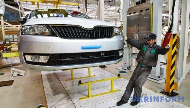 За январь в Украине собрали автотранспортных средств больше на 45%