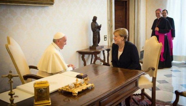 Меркель обговорила з Папою порядок денний  G20