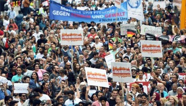 На антитерористичний марш у Кельні вийшло менше, ніж очікувалося, учасників