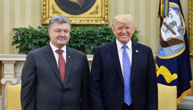 Donald Trump a parlé du progrès important atteint lors de son entretien avec Petro Porochenko