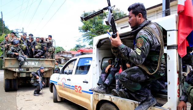 На півдні Філіппін воєнний стан триватиме ще рік