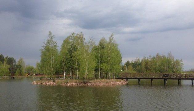 На Київщині юнак врятував бабусю і двох дівчат, восьмирічний хлопчик потонув