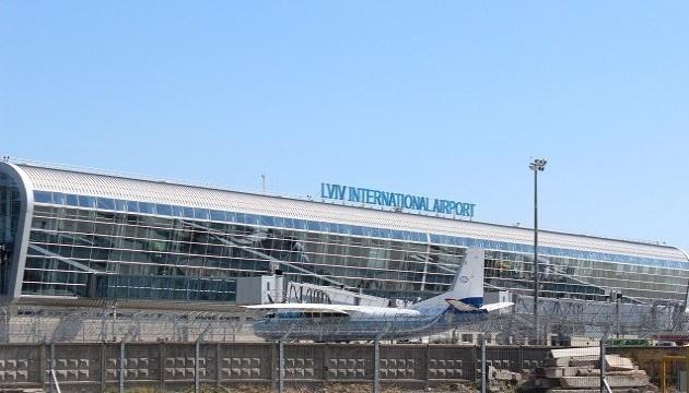 Львовский аэропорт сообщил о задержке рейсов в Египет