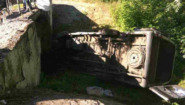 Водій автобуса, що перекинулася на Луганщині, заснув за кермом