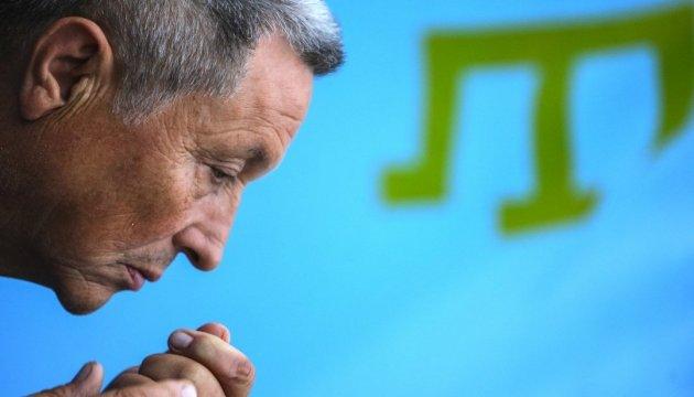 В українських дипустановах за кордоном відзначають День кримськотатарського прапора
