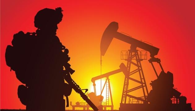 """Прогнозы МВФ о мировой экономике снижают цены на """"черное золото"""""""