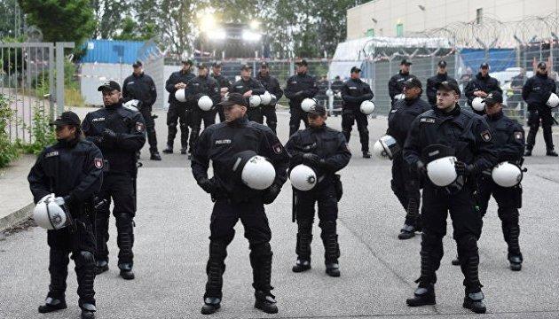 """Вислані з Гамбурга за дебош берлінські поліцейські, кажуть що """"сексу не було"""""""