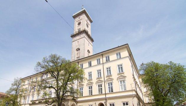 Чиновники кажуть, що Львів вже на 70% чистий