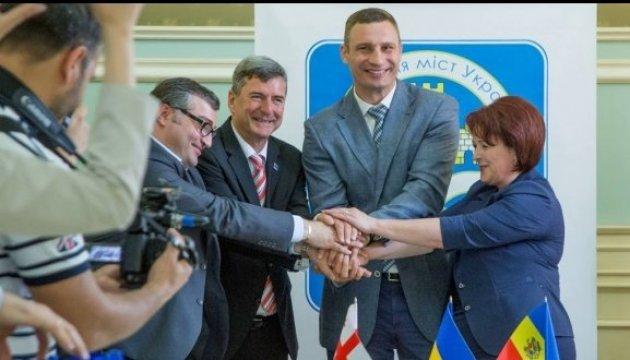 Klitschko: Ukraine, Moldau und Georgien haben Memorandum über Assoziation der Lokalbehörden unterzeichnet