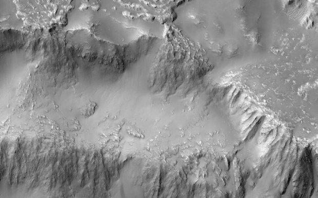 Вчені NASA показали «Ніагарський водоспад Марса»